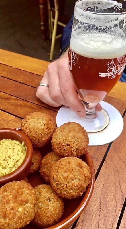 Bitterballen and beer on our food tours, the perfect combination.